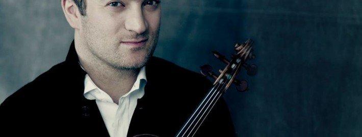 Le violoniste français Renaud Capuçon en concert à l'Esplanade Concert Hall.