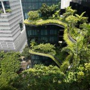 """""""Voyage vers"""", l'exposition de Mario del Curto à Gardens by the Bay. ©Mario del Curto - Ambassade de Suisse à Singapour"""
