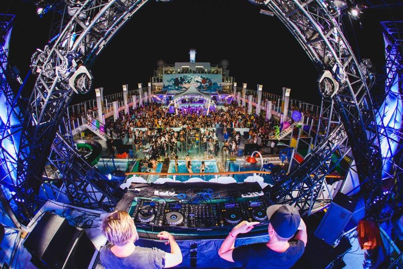 """""""It's the ship"""", c'est 4 jours et 3 nuits de musique, en mer d'Andaman, entre Singapour et Phuket. ©It's the ship."""